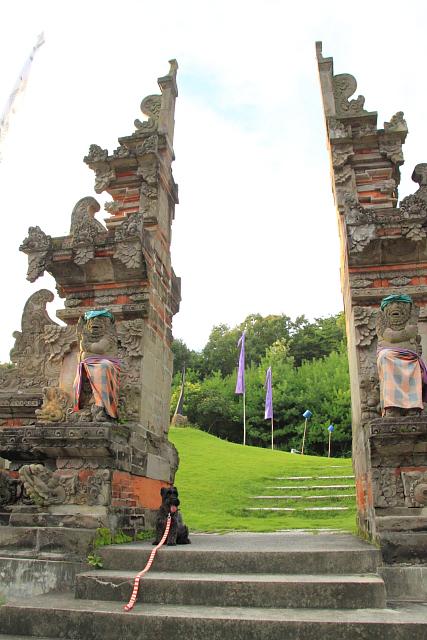 バリの門とエース