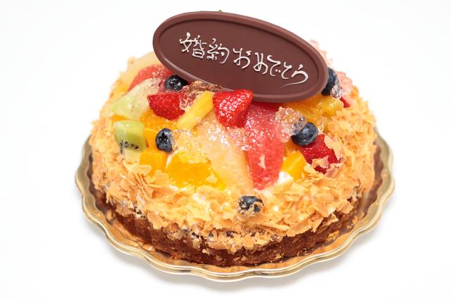 婚約おめでとうケーキ